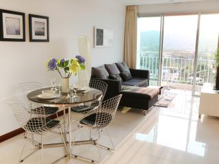 Beautiful modern seaview apartment best location