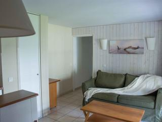 Nice apartment in a holiday club in Moliets Beach, Moliets et Maa