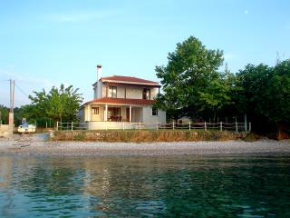 Seaside villa in Greece, Edipsos