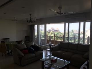 Beautiful SeaFace Apartment With Modern Amenitie, Mumbai (Bombay)