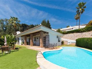 Villa Higueras, Wifi, UK Television, private pool