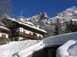 Un gioiello ad un passo da Cortina d'Ampezzo.- A Jewel close to Cortina d'Ampezo