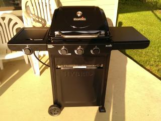 Hybrid Gas/Charcoal Grill provided