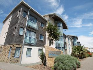 SEA VIEWS FISTRAL BEACH 2 BED APARTMENT SLEEPS 4 second floor, lift access WIFI