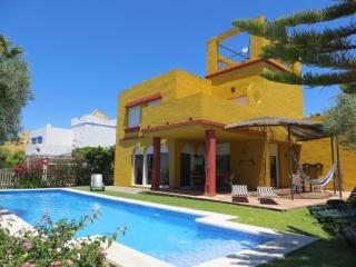 Chalet con piscina y WIFI para 9 personas OFERTAS, Sanlúcar de Barrameda