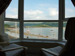QUAY HARBOUR SIDE APARTMENT, Barmouth