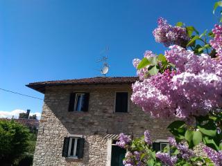 'Casa dei nonni'-Camera Fior di papavero 2+1letti, Trisobbio