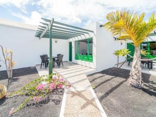 2 bed newly renovated bungalow/villa Los Pocillos., Puerto Del Carmen