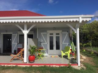 Studio tout equipe attenant a jolie villa creole