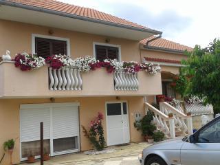 HOUSE TIN, Zadar