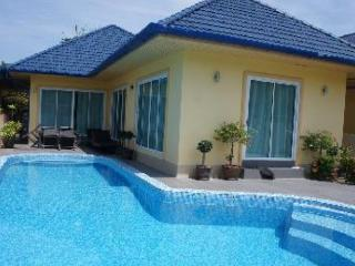 3 Bed villa with private pool & Jacuzzi in Rawai