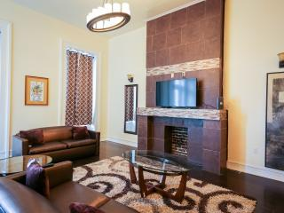 Downtown Luxury Suite 2