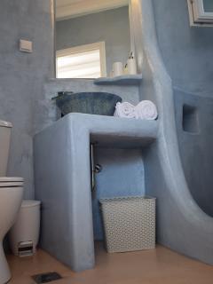 Stonecrete bathroom