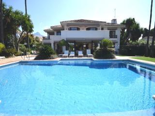5 bedroom Villa in Nueva-Carteya, Andalusia, Spain : ref 5476553