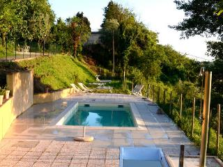 Tuscan villa on a hill with views of Siena