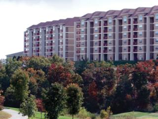 Grand Crowne Resort, Branson, MO MINUTES FROM STRIP! Full Condo with Kitchen!