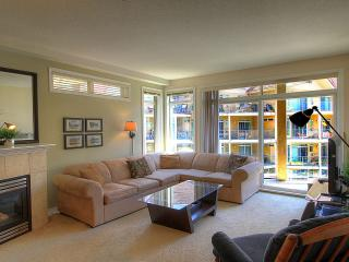 Spacious 2 bedroom Condo Family Friendly, Kelowna