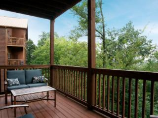 Fall Deal on The Lodges of the Smokey Mountains in Pigeon Forge, TN -BOGO + AARP