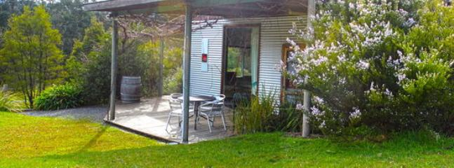 Valley Farm Vineyard - Cottage 2, Healesville