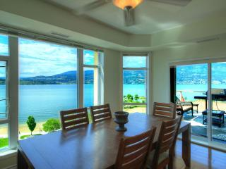 BEST VIEW IN THE BUILDING - Huge 3 bedroom, Kelowna