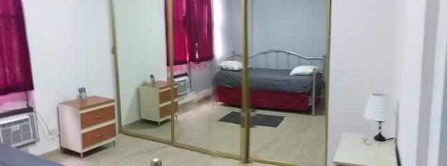 Sofá-cama, cama doble X2. Aire acondicionado.