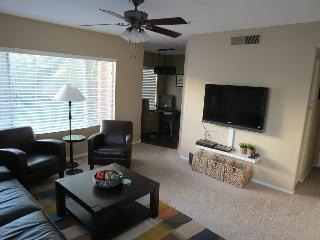 Lake and garden views 2 bedroom condo. Steps from lake and shopping.