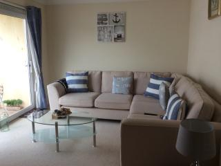 Shells - Double Bed Apartment in Sidmouth, East Devon includes parking permit