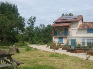 St Victor du Fau -  Large studio with A/C on eco-farm