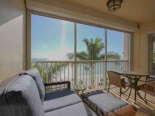 Continental Club- Luxury 7th Flr. Beach Front Condo-Enjoy Panoramic Gulf Views, Nápoles