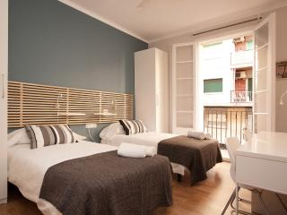 Enjoy Lux Apartment for 6, Barcelona