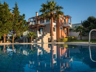 Athina Luxury Villas in Crete Platanias