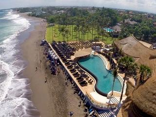 Villa Jasper stunning beachfront  Brawa/Canggu