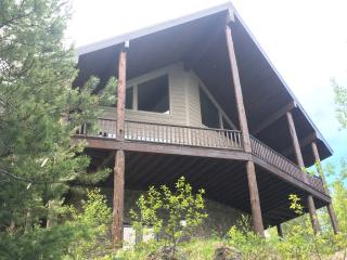 Beautiful Waterfront Cabin on Island Park Res.
