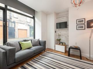 Atholl Apartments - The Coach House