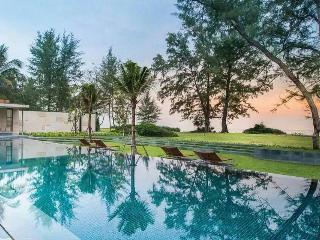 Sleep 6 - 2 bedrooms Beach front  Mai Khao, Phuket