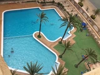 Apartamento alegre y fresquito a la orilla del mar, La Manga del Mar Menor