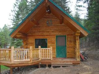 Welcome to Herons Roost Cabin Rental!