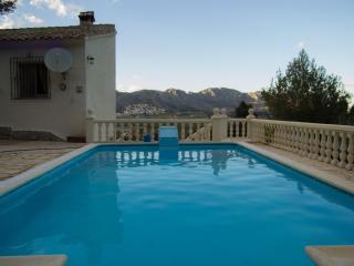 Freistehende Villa mit Pool und Garten