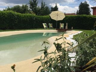 Betulla, private pool, short walk Barga, restaurants, bars, shops, views WIFI