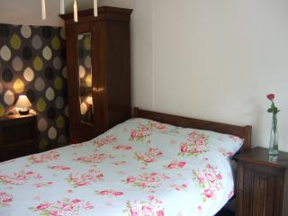 private double bedroom with a view, Penzance