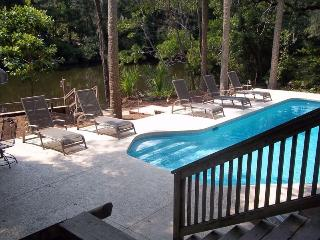 Great PD home, pool, lagoon view, close to beach, Hilton Head