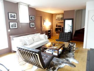 Luxurious 3 bedrooms with terraces (Near Louvre), Parijs