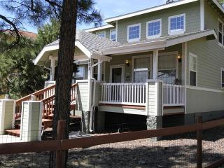 SPECTACULAR FROG POND CABIN IN THE PINES, Pinetop-Lakeside