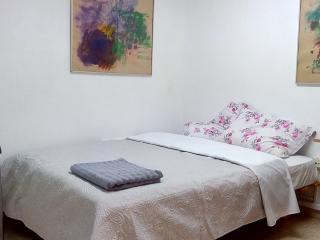 Bed in 5-Bed Mixed Dormitory Room (02), Gedera