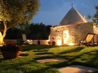 Tenuta Sassi  – Awesome! sleeps 14, Cisternino