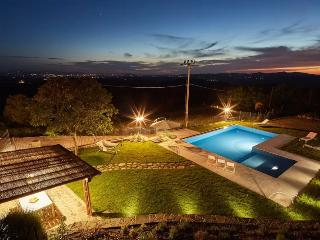ROMANTIC LUXURY COUNTRY CHIC-HOUSE HALF AN HOUR FROM SIENA