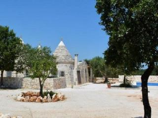 Trullo Chiatante – Happy holidays! sleeps 6, Cisternino