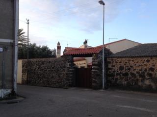 prospetto retrostante / ingresso garage