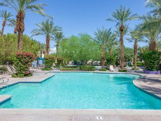 Newly Renovated 3Bd/3Ba Villa by Fountain - with optional Ms. Pac Man Video, La Quinta
