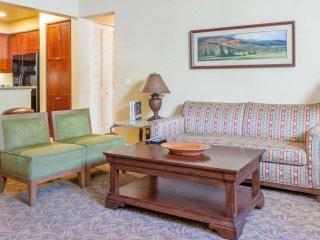 Luxurious 2Bd/Ba Villa near Clubhouse -Lower L64, La Quinta